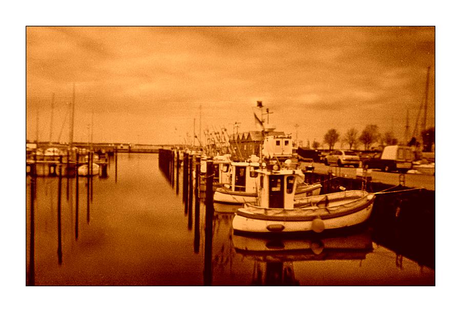 fischerboote_rot