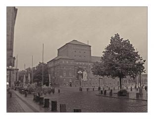 rathausplatz-im-regen_klein