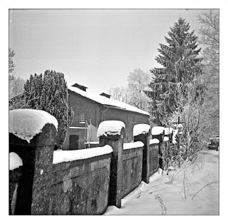 mauer-im-schnee